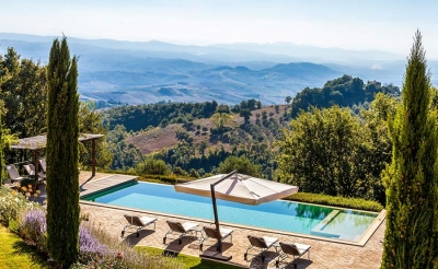 Vacation in Tuscany for 20 guests